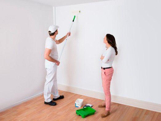 Pintor-mujer-pestaña-523x395